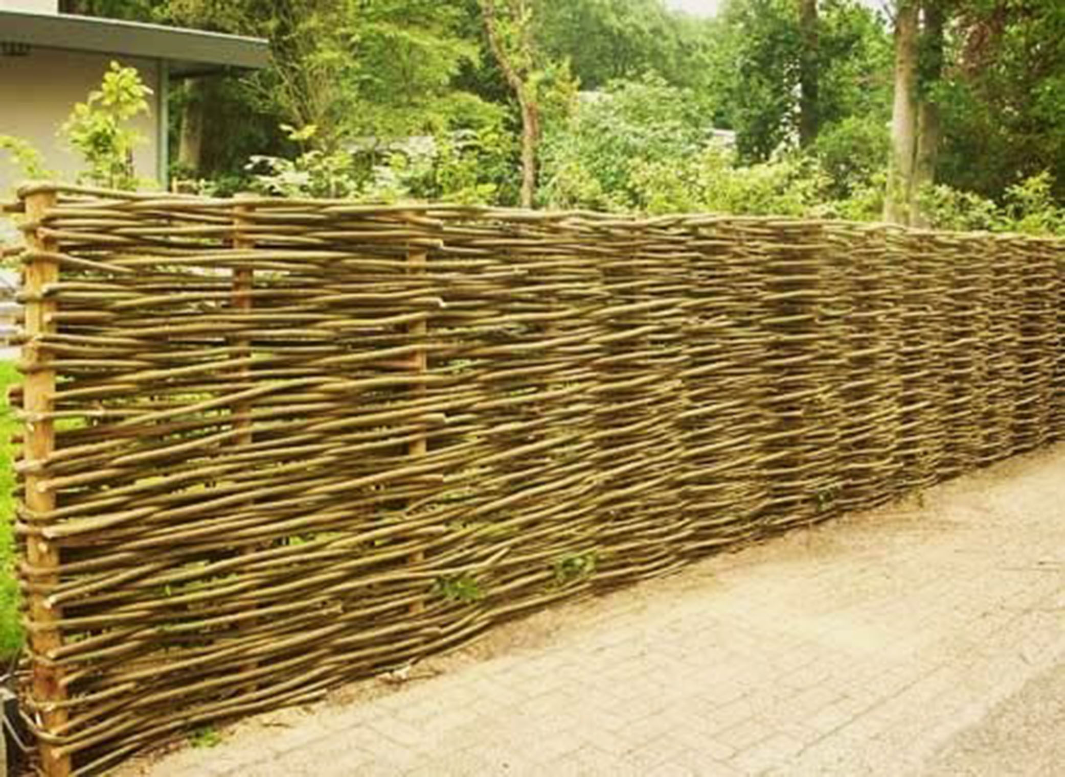 Decks and fences european garden design for Landscape gardeners